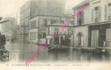 92. LEVALLOIS PERRET . Rue Rivay . Crue De La Seine Janvier 1910 .  CPA Animée . - Levallois Perret