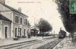 10 VALENTIGNY MEIZIERES - La Gare - Train Arrivant En Gare - France