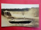 Real Photo  Bobby Leach & His Barrel -Niagara Falls US=====azo Box  -ref 450 - Postcards