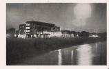 """DURRES (STRAND) 12  DAS TOURISTEN HOTEL """"ADRIATIK"""" BEI NACHT - Albanie"""