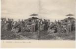 Tonkin Vietnam, Ouvriers Au Repos, Crowd Umbrella, Stereo View C1910s/20s Vintage Postcard - Vietnam