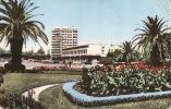 CASABLANCA Jardin Devant Le Palais De Justice - Salissures Au Dos Pli - Casablanca