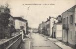 42 - LA PACAUDIERE - CPA - La Rue De La Poste - La Pacaudiere