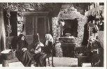 """20 CORSE  """"  PHOTO Edition D´ ART MORETTI  """"  Intèrieur Typique FOUR Vieille Femmes En Conversation - Frankrijk"""