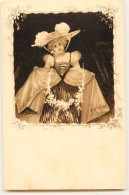 BELLE CPA 1900 : FEMME STYLE VIENNOISE - Illustrateurs & Photographes