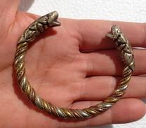 Vintage And Fine Tibetan Makara Heads Cuff Twisted Bracelet - Ethnics