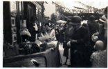 Un Stand De La Braderie Dans Les Années 1930. - Surgères