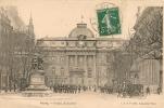 Cpa Paris1 Relève Garde Devant Palais De Justice - Arrondissement: 01
