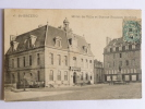 SAINT BRIEUC - Hotel De Ville Et Statue Poulain CORBION - Saint-Brieuc
