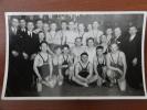 Postkaart Nederland, Beverwijk, Sport, Worstelen, Fotokaart Groep Worstelaars Te Beverwijk,rond 1930 Door Dick De Herder - Beverwijk