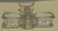 Salière Poivrière  Avion Verre Très Ancienne Verre Moulé Bréveté S G D G Oullins - Glass & Crystal