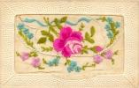 Belle Carte Brodée - Roses  Se Soulevant  -  2 Scans - Brodées