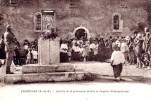 CPA - Vernègues - Arrivée De La Procession Devant La Chapelle St Symphorien - France