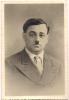 ###photographie Dédicacée Signée Illisible, Homme Avec Petite Moustache à Identifier - Dédicacées