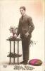 CPA BONNE ANNEE - Collection REX 1459 Le Jeune Homme Aux Fleurs  080412 - Nieuwjaar