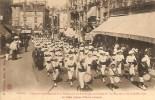 01 BOURG Concours Interrégionale Des Patronages De France Du Sud Est 23 Et 24 Juillet 1911  Le Défilé Av Alsace Lorraine - Bourg-en-Bresse
