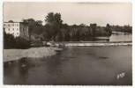 AIGUILLON. - La Plage Et Le Barrage.  CPSM 9x14 - France
