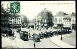 CPA. ROUBAIX. La Place, Entrée De La Rue De La Gare. - Roubaix