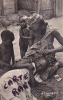 AFRIQUE,FRANCE COLONIE,REPUBLIQUE CENTRE AFRICAINE,BANGUI EN 1954,OUBANGUI CHARI,AEF,COIFFEUSE,METIER,TRESSES - Centrafricaine (République)