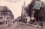 Département 80: MONTDIDIER - La Rue Parmentier Et L'entrée Du Square - Montdidier