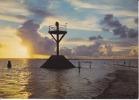 CPSM GOIS Passage Noimoutier Vendée  Balise Coucher De Soleil Nuages  Si Bandes Jaunes Dues Au Scan - Ile De Noirmoutier