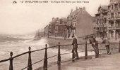 Boulogne-sur-Mer - La Digue Ste Beuve Par Gros Temps(carte Animée) - Boulogne Sur Mer