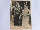 Leurs Majestés, Le Roi Et La Reine D'ANGLETERRE - Familles Royales