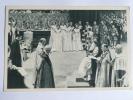 Couronnement De La Reine ELIZABETH II, La Prière De L'Archeveque De CANTERBURY - Familles Royales