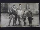 Soldats D´un REGIMENT D'INFANTERIE à Identifer - Cour De La Caserne - Carte-photo - Vers 1925 - Non Voyagée - Uniforms