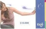 TARJETA DE COLOMBIA DE TIGO DE $10000 -CHICA CON MOVIL - Colombia