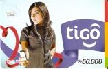 TARJETA DE PARAGUAY DE TIGO DE GS50000 DE UNA CHICA CON MOVIL
