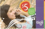 TARJETA DE EL SALVADOR DE TIGO DE UNA CHICA CON MOVIL $5 - El Salvador
