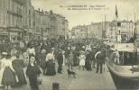 17  LA ROCHELLE - QUAI DUPERRE - UN DEBARQUEMENT DE TROUPES (ref 790) - La Rochelle