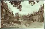 """""""High Street Looking East, Chipping Campden"""",  Real Photo-postacrd,  C1920.                     G-48 - Inghilterra"""