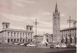 221 FORLI' - PIAZZA SAFFI - TORRE CAMPANARIA - ANIMATA - AUTO D'EPOCA CARS VOITURES : FIAT 500 VOLKSWAGEN MAGGIOLONE - Forlì