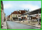 23-BONNY.sur LOIRE-(Loiret) La Place-(recto Verso) - Francia