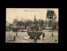 22 - GUINGAMP - Fontaine Et Place Du Centre - Guingamp