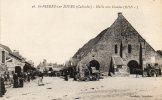 CPA - 14 - SAINT-PIERRE-SUR-DIVES - Halle Aux Grains - Petit Pli Coin Droit  - 189 - Autres Communes