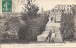 Cpa Paris, Square Du Père Lachaise, Enfants S'embrassant Au Pied De La Statue, Le Déclin Et L'aurore - Arrondissement: 20