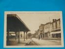 47) Duras - La Grande-place - ( La Halle ) Année 1924 - EDIT - Guignard - France