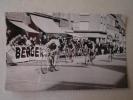 Photo Ricard Berger Cyclisme Prix Des Cadets Le 3 Octobre 1965 Course à Saint Hilaire Du Harcouet (50 Manche). - Ciclismo