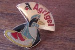 Pin´s  PINGOUIN ET VIANDE  SURGELES  LIVRAISON A DOMICILE    AGRIGEL   La Marque Avec Un Petit Pingouin ALIMENTATION - McDonald's