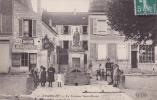 R77 - THORIGNY - La Fontaine Saint-Martin - Devant L'épicerie - Autres Communes