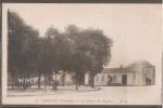 33----AVENSAN---la Place De L'eglise---animé - France