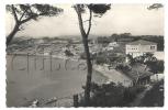 SANARY-SUR-MER (83) : PLAGE DE LA GORGUETTE, Route De Bandol  En 1950 (animée). - Sanary-sur-Mer