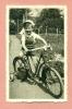 PHOTOGRAPHIE - CYCLISME  - ENFANT / GARCON / BAMBIN ET SA BICYCLETTE ! 1942 - Cyclisme
