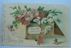 Carte Gauffrée Bonne Fete Caisse En Bois Avec Des Fleurs Roses Et Blanches - Autres