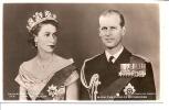 H.M THE QUEEN ET H.R.H THE DUKE OF EDINBURGH    REF 27591 - Familles Royales