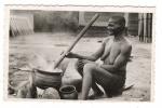 CÔTE-D' IVOIRE  /  GRAND-MÈRE  PREPARE  LE  REPAS  ( Femme Seins Nus ) /  Coll.  G. LABITTE N° 20  ( Beaux Timbres ) - Côte-d'Ivoire