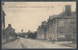 - CPA 50 - Saint-Sauveur-Lendelin, La Route De Périers Et L'école Des Filles - France